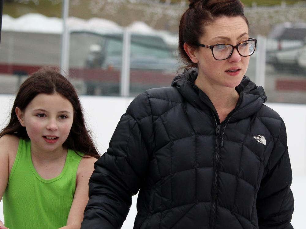 field trip-ice skating-veronica & lillian mason